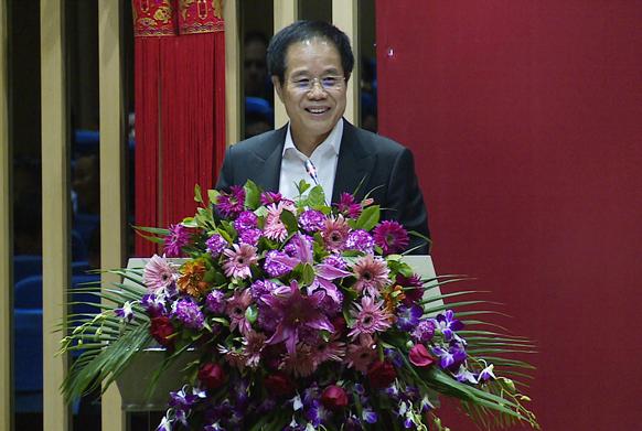 华南城集团总裁梁满林在2015员工表彰大会讲话